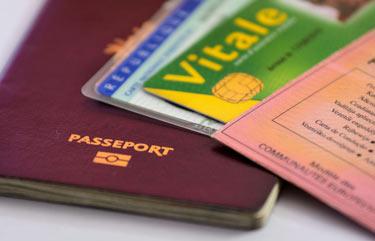 Carte d'identité, passeport biométrique, permis de conduite, ...